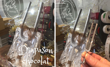 Diapason géant en chocolat, attention aucunes fausses notes autorisées.